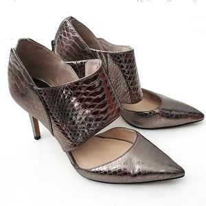 VINCE CAMUTO| Snake Print VC-TANZIE Size 8.